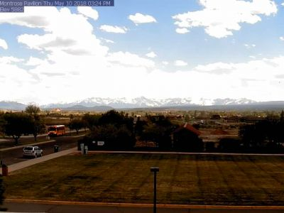 Montrose Pavilion Cam - S - click image to view movie in new window. Weather camera is  0.9 nm NE of 6CO5